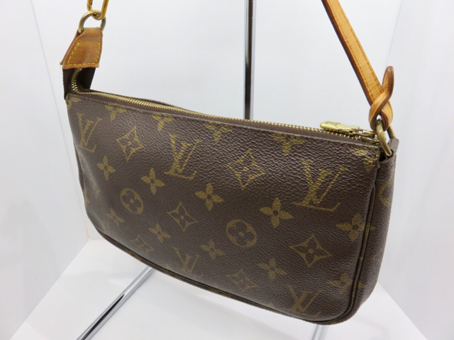 huge selection of dbfda 2066f LOUIS VUITTON ルイヴィトン ヴィトン モノグラム ポシェット ...