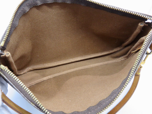 huge selection of ce7dc 3b66d LOUIS VUITTON ルイヴィトン ヴィトン モノグラム ポシェット ...