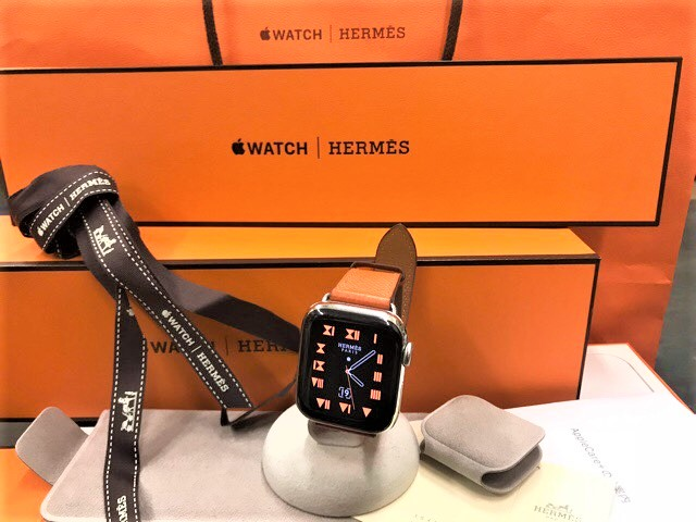 Apple Watch Series Hermes 4(GPS + Cell) 40mm ステンレススチール シンプルトゥールレザーMTVR2J/A※中古